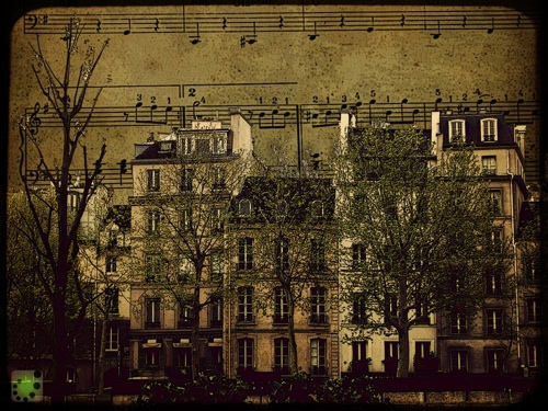 playing piano is paris